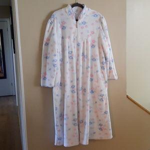 Women's robe/lounger